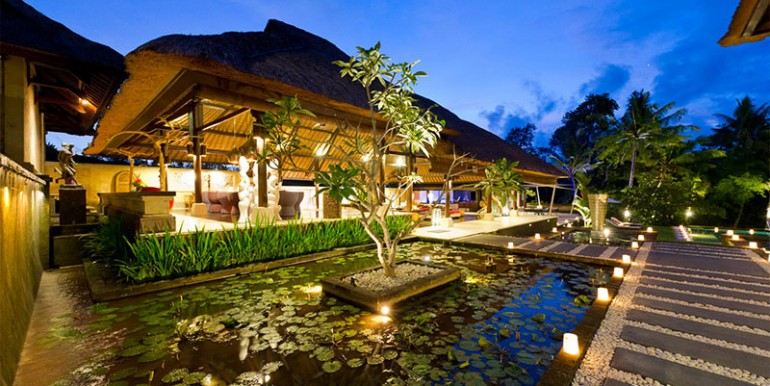 Chalina-Estate---Living-room-and-lily-ponds-at-night
