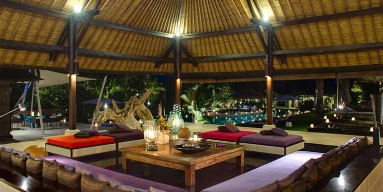 Chalina-Estate---Living-room-at-night