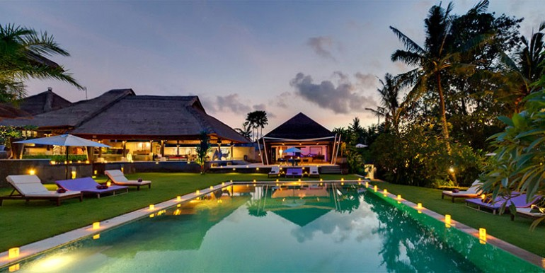 Chalina-Estate---Pool-and-villa-at-dusk
