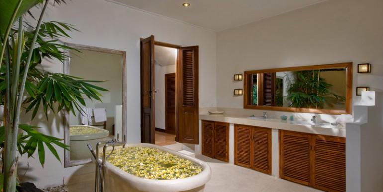 Villa-03-11-Bath-2