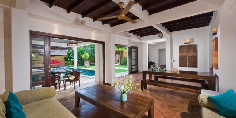Villa-16-04-Living-Room
