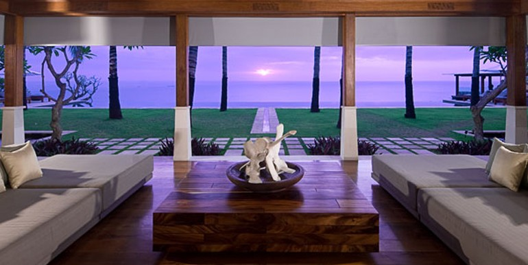 Living-room--at-sunset-15