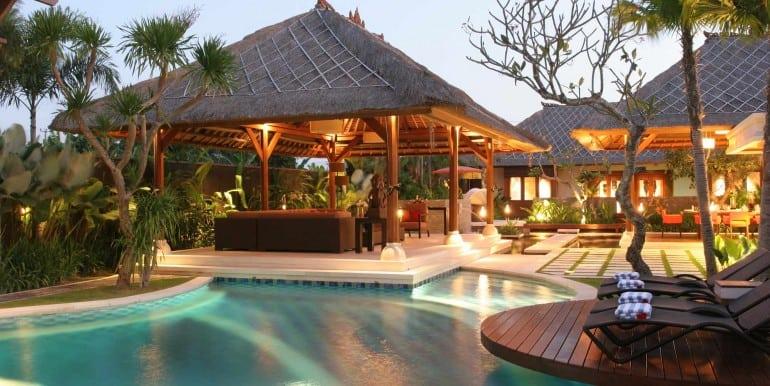 AS-Villa-Pool-at-night1