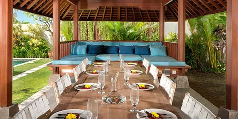 Villa-Dining-bale-at-lunch-