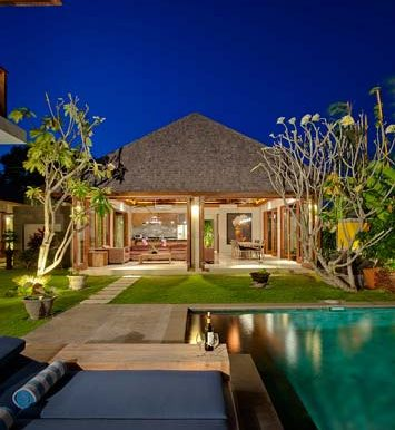 Villa-Poolside-at-night