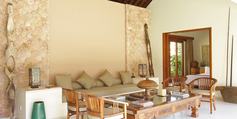 Villa-Sakti---Guest-room-living-area
