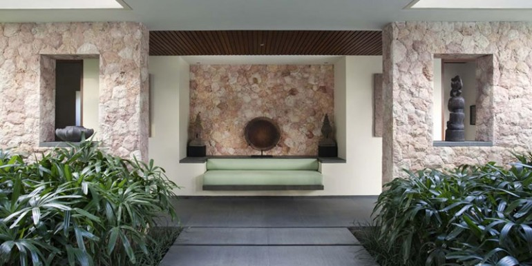 Villa-Satria-Bench-seat