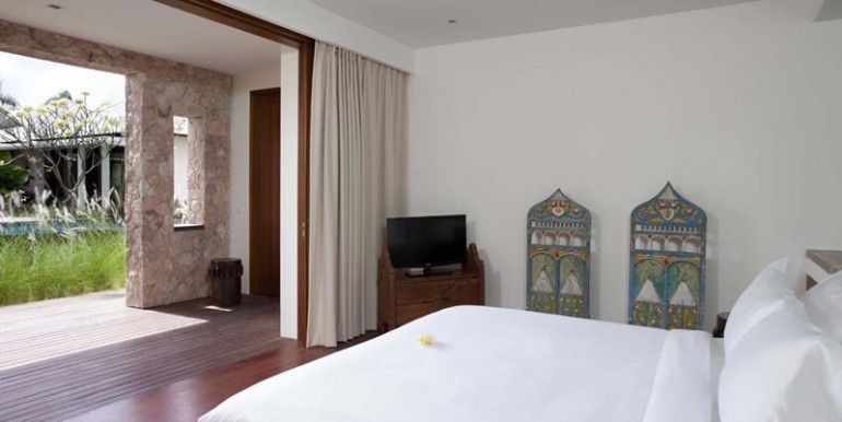 Villa-Satria-Downstairs-bedroom-two