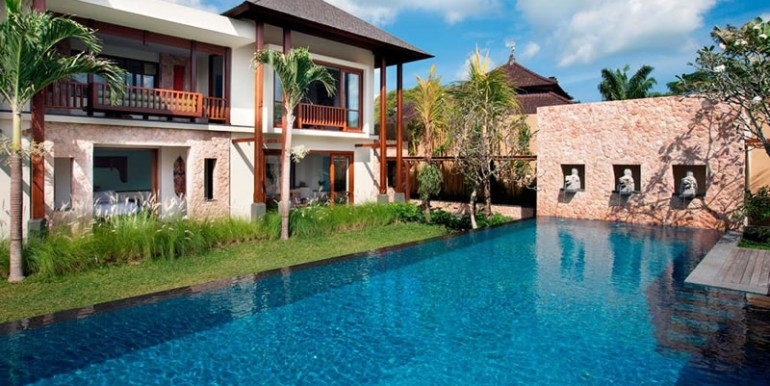 Villa-Satria-The-pool