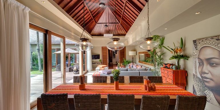 Villa-iii-dining