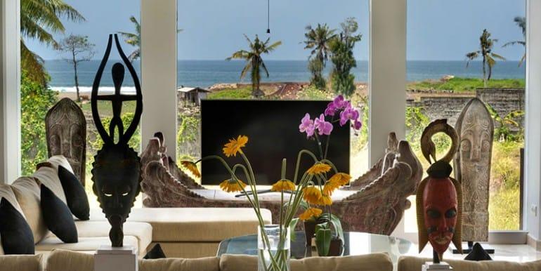 lu-beachfront