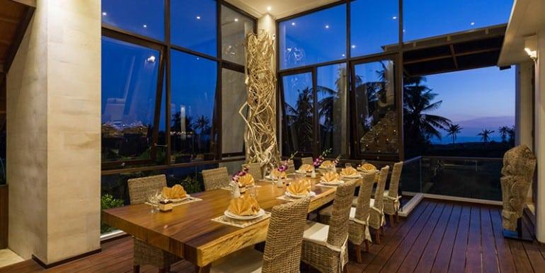 lu-evening-dining