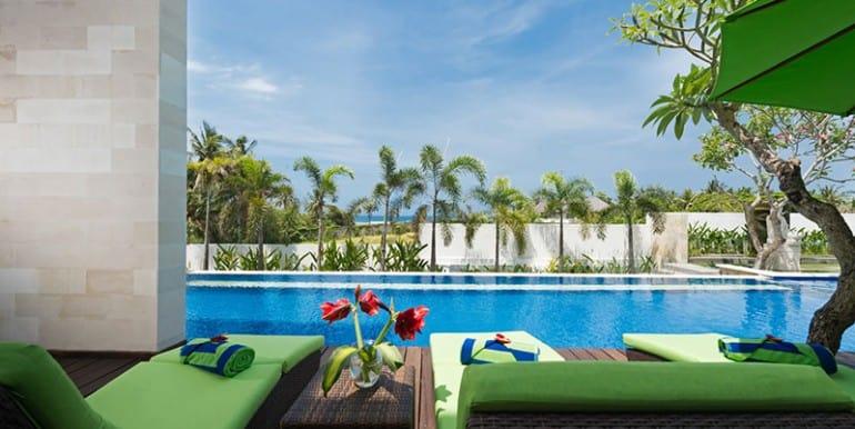 lu-pool-view