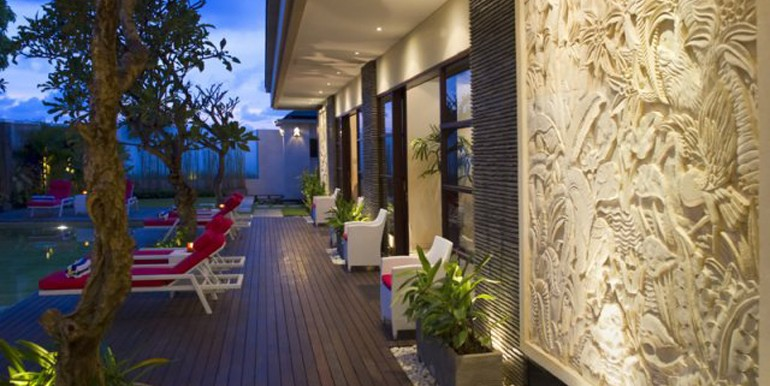 poolside-deck-at-night