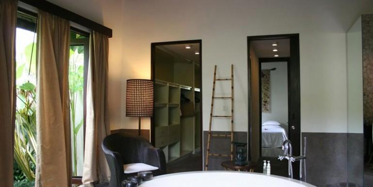 sankara-villa-bathroom-gl