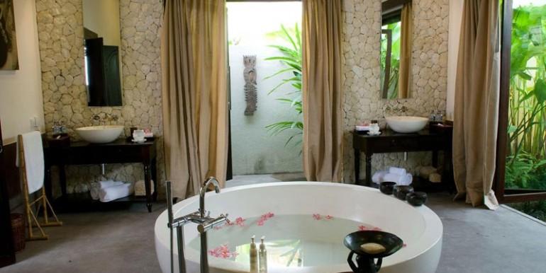 sankara-villa-bathroom3-gl