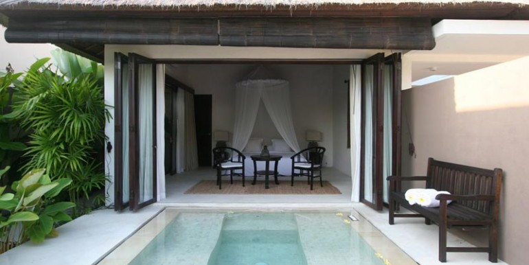 sankara-villa-pool-gl