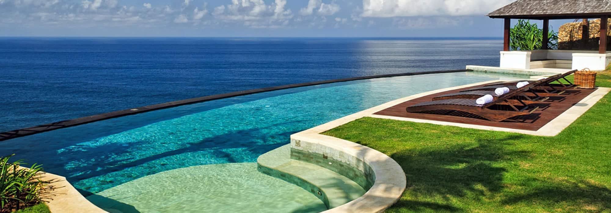 10 Bedroom Uluwatu Beachfront Villa