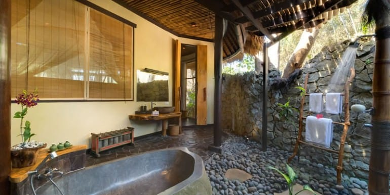 TAM-ensuite-bathroom-bedroom-ajna