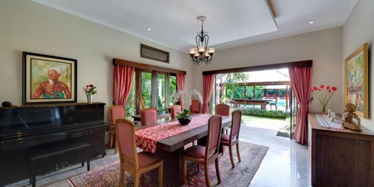 villa-1-interior-dining