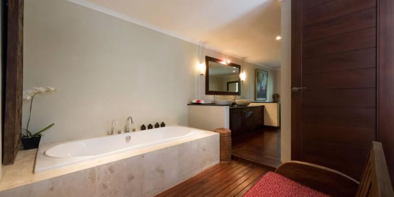 villa-i-guest-pavilion-bathroom