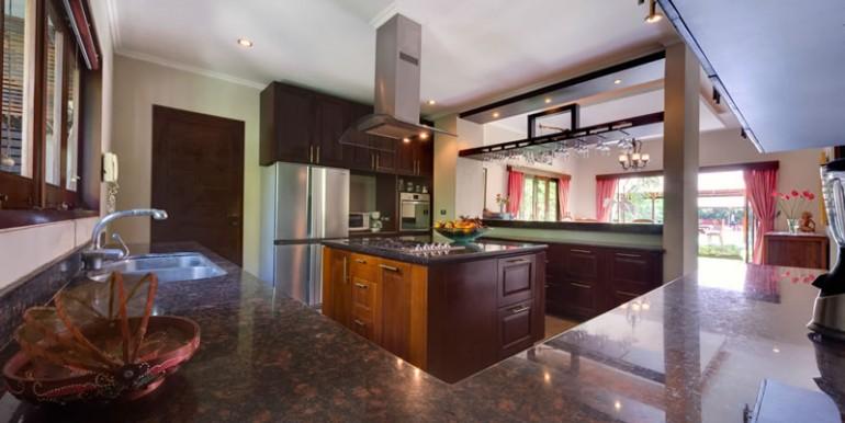 villa-i-kitchen