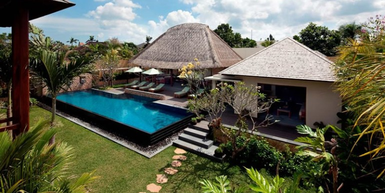 villa-satria-living-and-dining-building