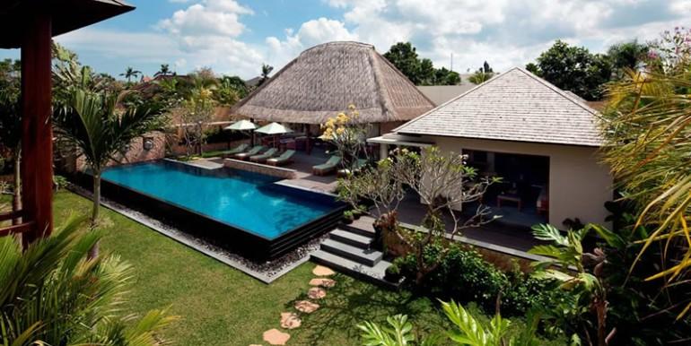 villa-satria-living-and-dining-building