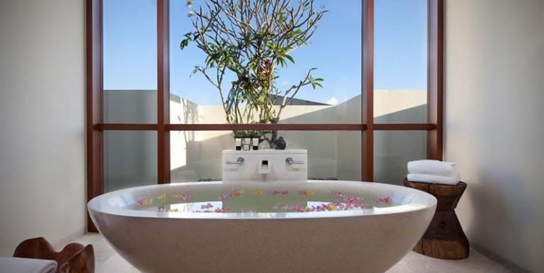 villa-satria-master-bathroom