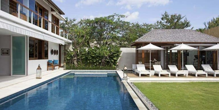 villa-the-pool